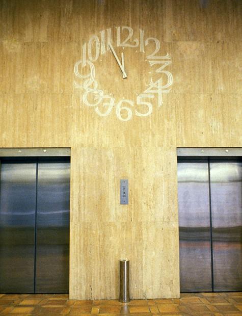 barclays-clock-in-travertine.1
