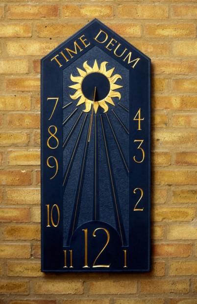 slate-vertical-sundial-Time-Deum